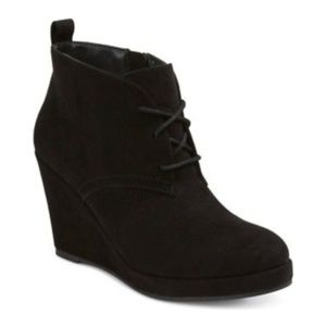 DV DOLCE VITA Black Wedge Ankle Boots Vegan Suede
